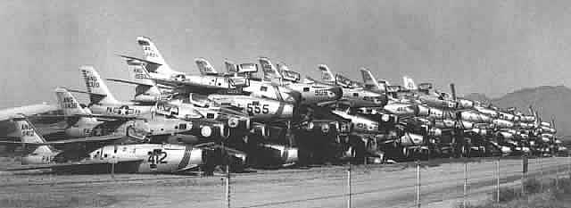 Stacks of Republic F-84F Thunderstreaks at Davis-Monthan AFB awaiting scrapping in November, 1958