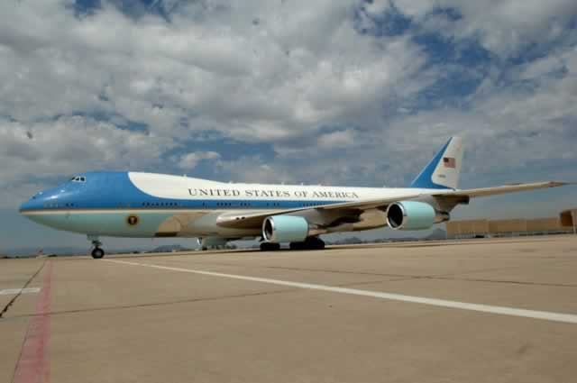 "VC-25A ""Air Force One"" at Davis-Monthan Air Force Base during visit by President George Bush"