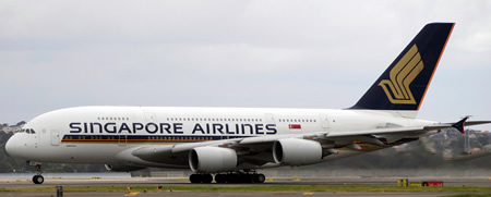 Singapore Airlines Airbus A380 9V-SKA